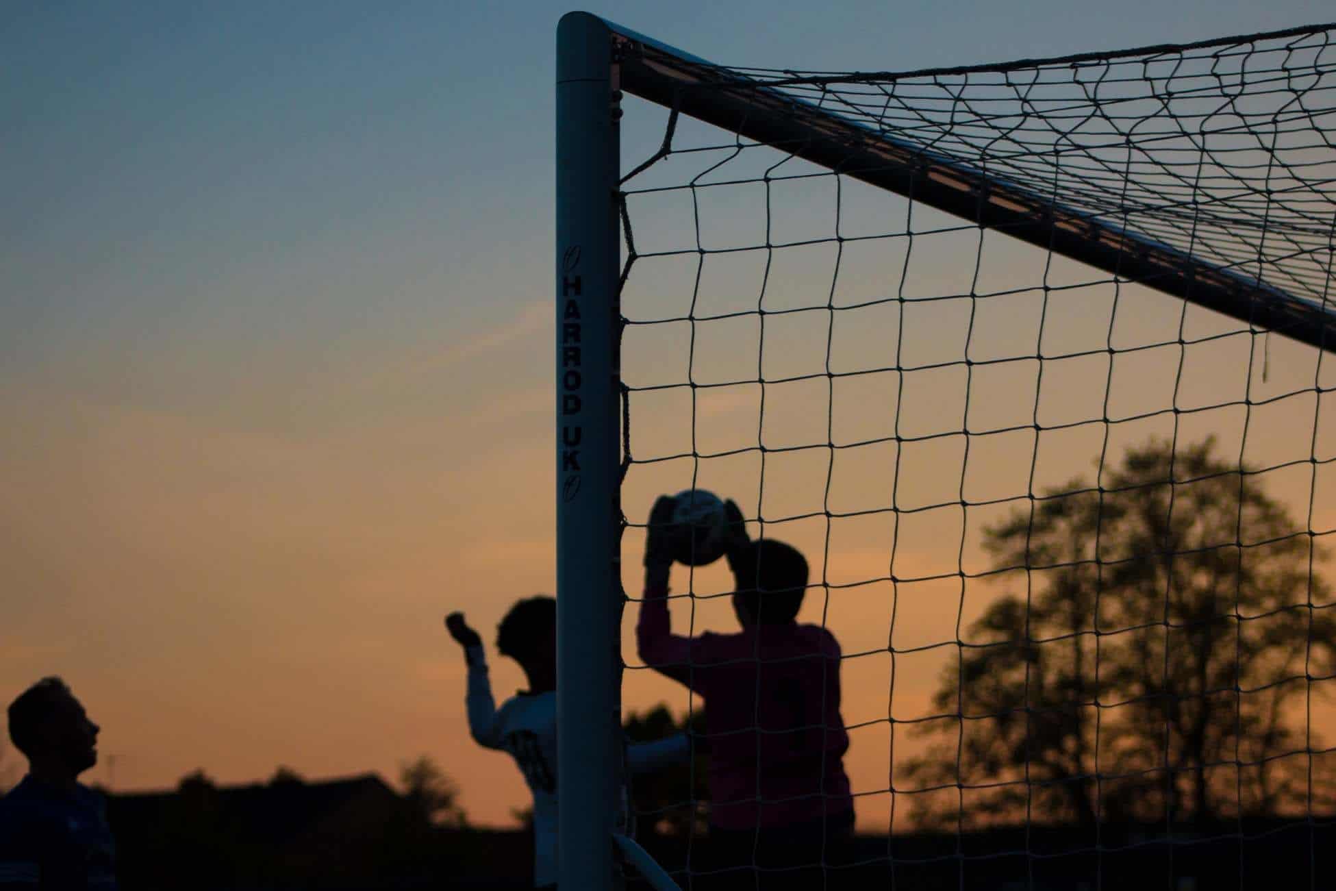 Dugnad idrettslag klubbkassen tjene penger inntekter fotball håndball dugnadseksperten